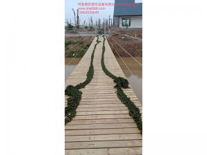 木质吊桥施工现场